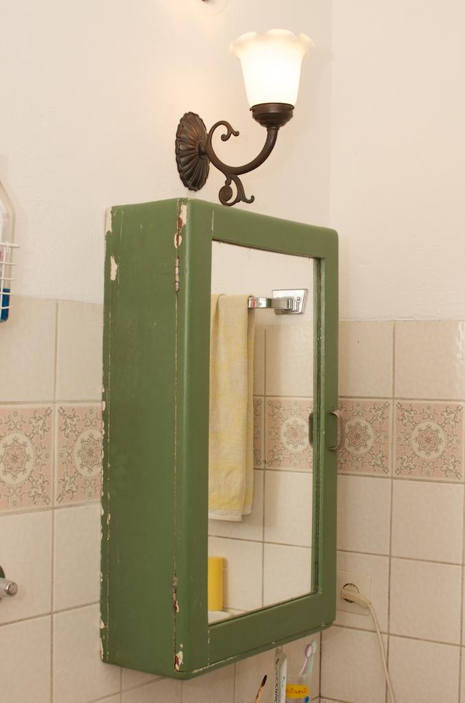 Badezimmerschrank6